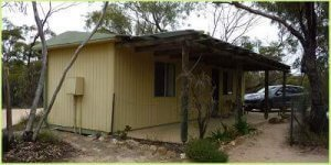 Reviewing the cabins at Wave Rock cCaravan park, Hyden Western Australia